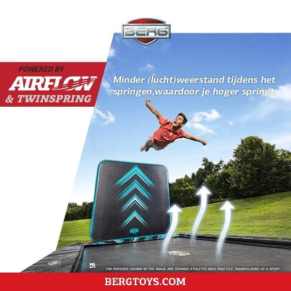 Berg Ultim Elite Flatground trampoline 500x 300cm zwart + Aerowall
